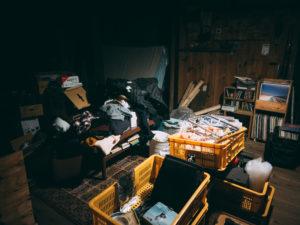 掃除前の部屋のイメージ